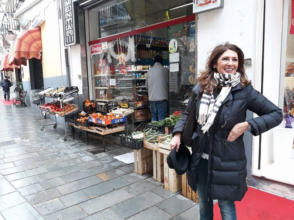 Luisa maiuri fdi a vallo della lucania esponenti del for Chi vota i deputati